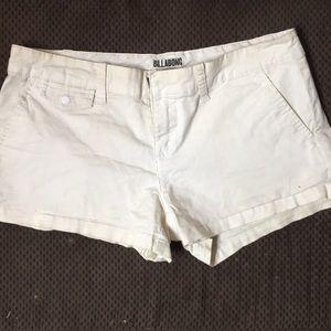 BILLABONG Short Shorts! White with pockets Sz 7